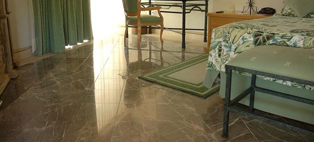 Piso de marmol para tu hogar comedores europeos for Imagenes de pisos de marmol
